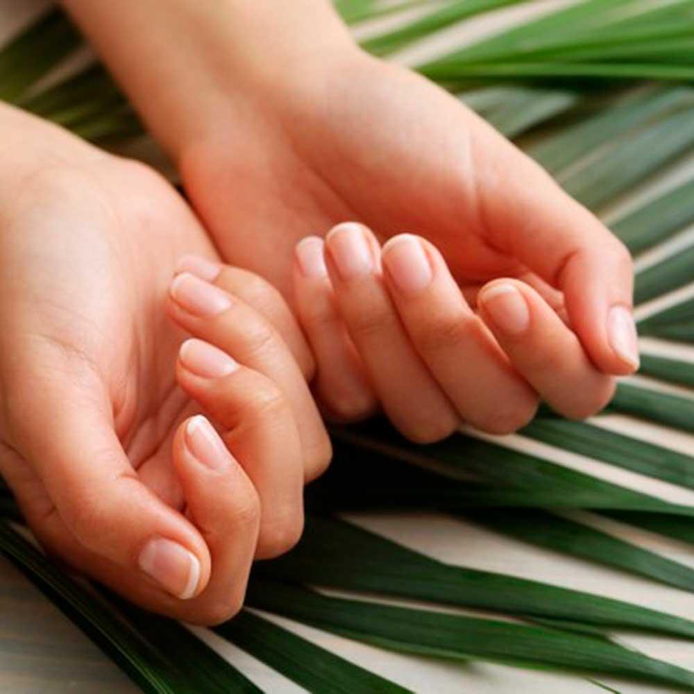 L'importanza-della-manicure-per-le-nostre-mani-